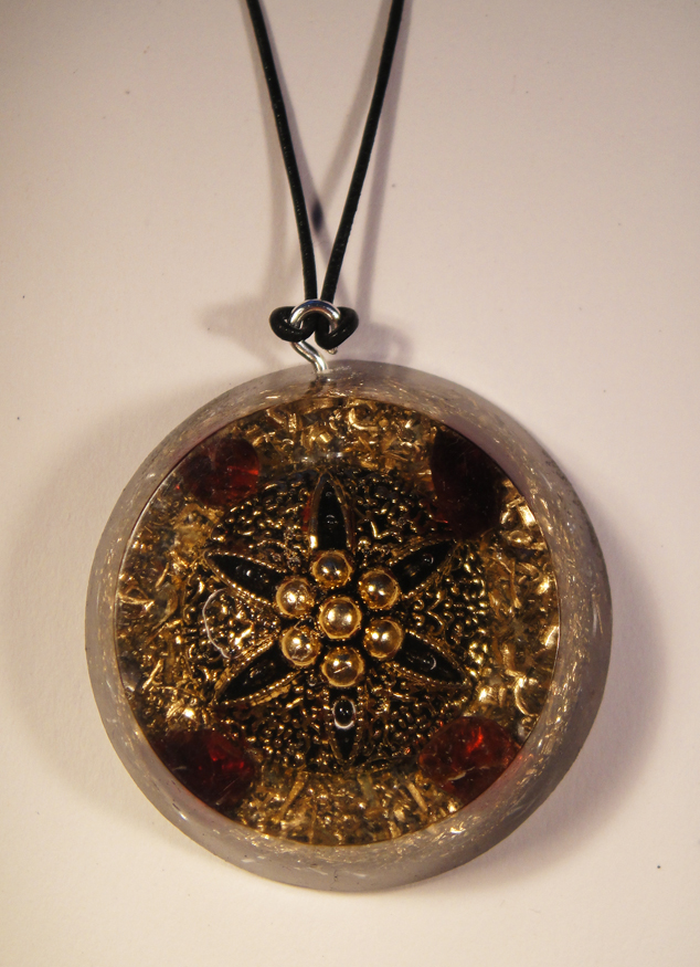 orgonite pendants and their properties