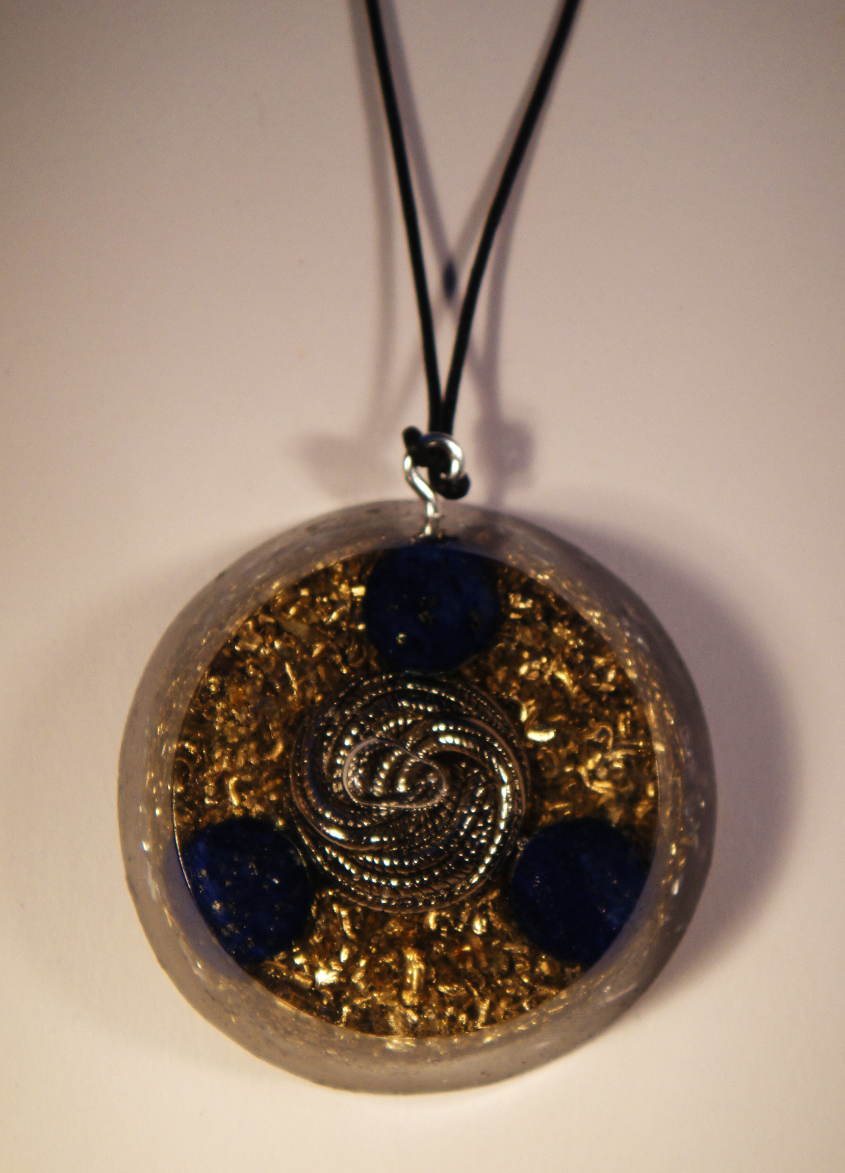 orgonite pendants and their properties