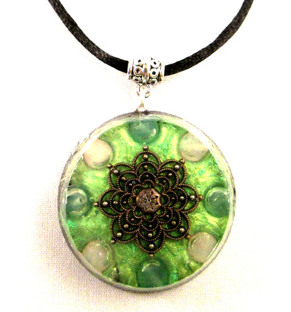 How to Make Orgonite Jewelry