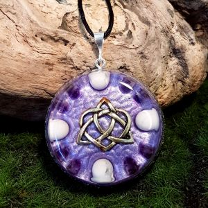 howlite and amethyst orgonite pendant