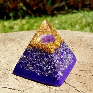 Amethyst orgonite pyramid - crown chakra - Orgone pyramid