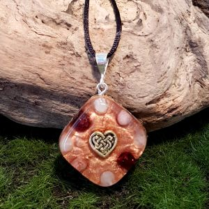 Love orgonite pendant - small orgonite necklace by Orgonise Yourself