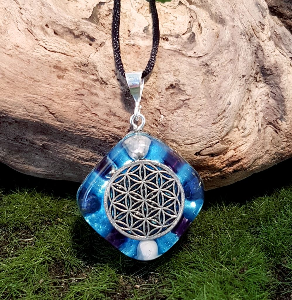 Spiritual Growth orgonite pendant - small orgonite necklace Orgonise Yourself