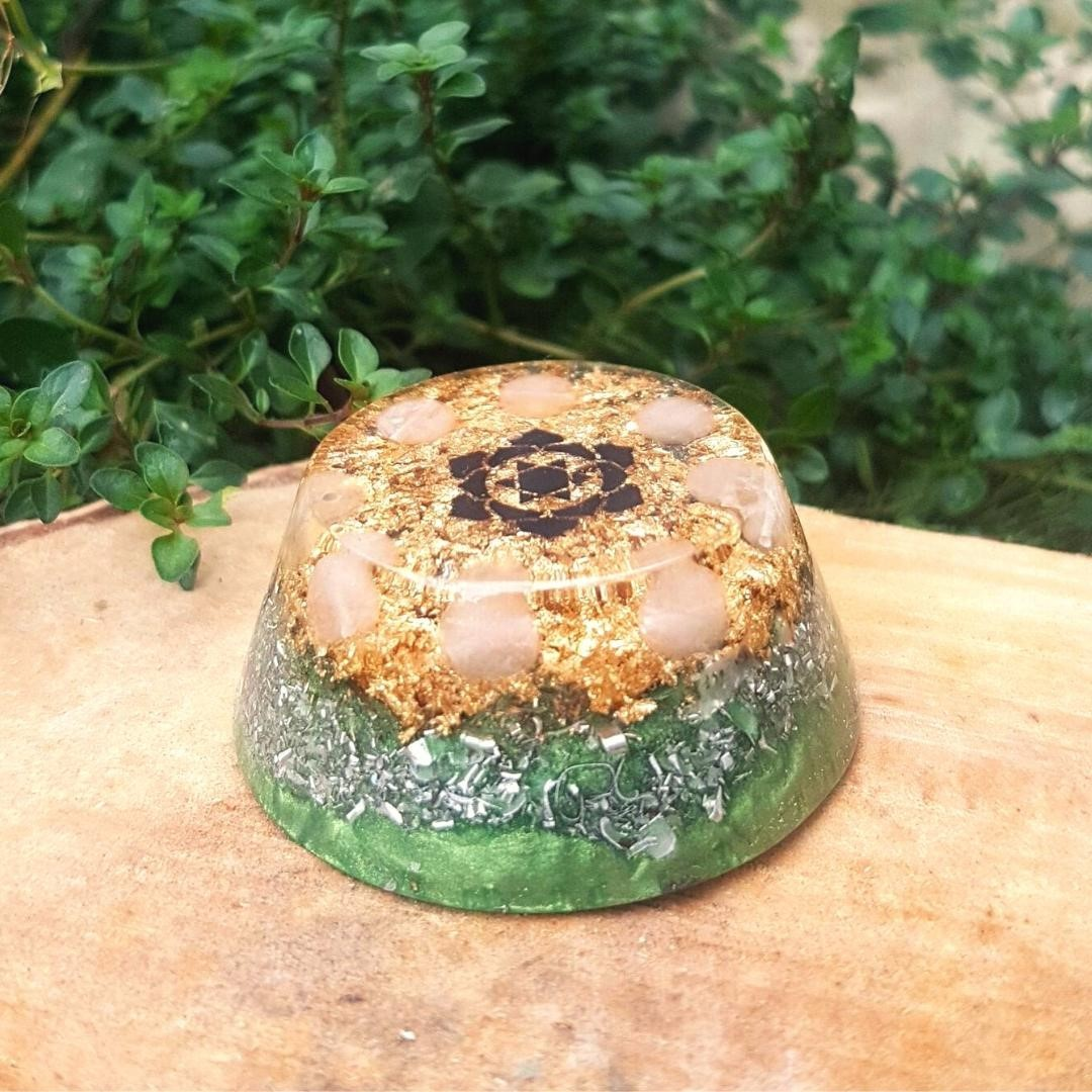 This little beauty is available in my shop now - while stocks last. Containing Rose Quartz beads centred around the heart chakra symbol and placed on a bed of luscious green, this towerbuster orgone piece is great for welcoming more love, forgiveness and beauty into your life.  When in times of stress it can be natural (and easy) to close and shut ourselves off, but this can be damaging in more ways than we realise.   Do you need to bring more openheartedness back into your life? Start by smiling at YOURSELF in the mirror today, and see how you feel as you gaze into your own eyes.   Have a wonderful week friends!       